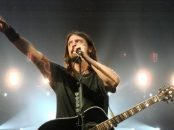 Dave_Grohl_-_july_2008_2