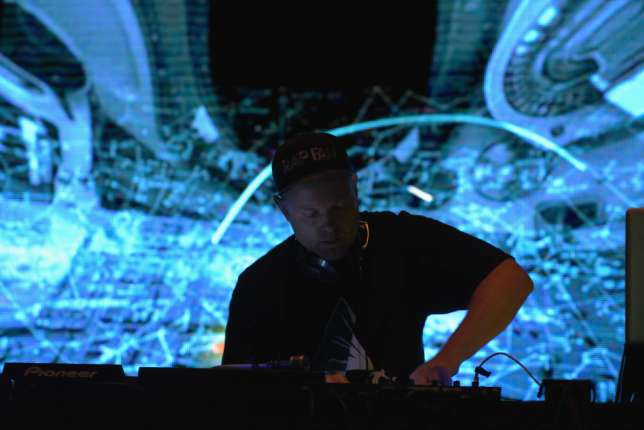 DJ Shadow OVD 03