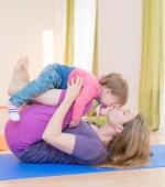 Mama-Baby-Yoga-Ausbildung, Yoga für Mamas und Babies, Postnatalyoga, Baby-Yoga, Rückbildungs-Yoga, Rückbildungs-Übungen