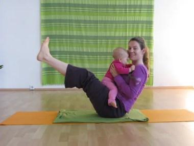 Mama-Baby-Yoga nach der Geburt: eine sehr sanfte Rückbildung mit Hatha-Yoga für Dich und Dein Baby!