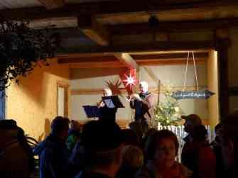 Trompeten-Duo in der Scheune