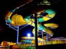 Rutsche bei Nacht
