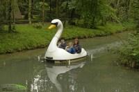 Schwanenbootfahrt - FANTASIANA Erlebnispark Strasswalchen ...