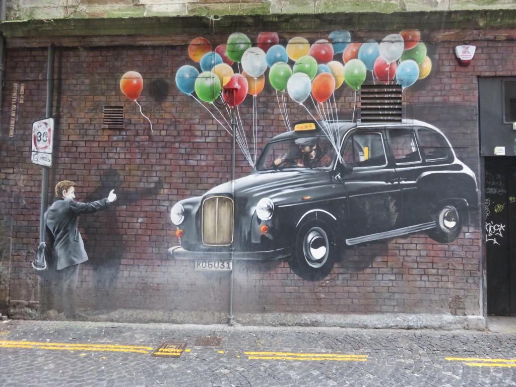 Glasgow_street_art_taxi