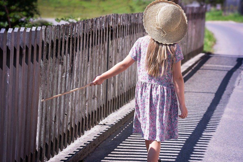 Flaner-stroll-walk-leisure