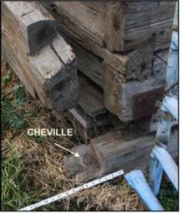 Fig. 5 : Note the cheville or dowel pin holding the first log to the sill.