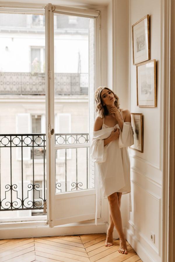 Mariée aux portes haussmanniennes