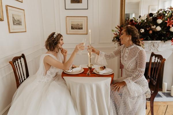 "Mariage à Paris ""width ="" 600 ""height ="" 400 ""srcset ="" https://i0.wp.com/www.frenchweddingstyle.com/wp-content/uploads/2020/09/Wedding-in-Paris.jpg?w=640&ssl=1 600w, https: // www.frenchweddingstyle.com/wp-content/uploads/2020/09/Wedding-in-Paris-300x200.jpg 300w, https://www.frenchweddingstyle.com/wp-content/uploads/2020/09/Wedding-in -Paris-250x167.jpg 250w, https://www.frenchweddingstyle.com/wp-content/uploads/2020/09/Wedding-in-Paris-550x367.jpg 550w, https://www.frenchweddingstyle.com/wp -content / uploads / 2020/09 / Wedding-in-Paris-270x180.jpg 270w, https://www.frenchweddingstyle.com/wp-content/uploads/2020/09/Wedding-in-Paris-450x300.jpg 450w ""tailles ="" (largeur maximale: 600px) 100vw, 600px ""data-jpibfi-post-excerpt ="" ""data-jpibfi-post-url ="" https://www.frenchweddingstyle.com/haussmannian-apartment-wedding- france / ""data-jpibfi-post-title ="" Mariage secret d'appartement haussmannien à Paris ""data-jpibfi-src ="" https://www.frenchweddingstyle.com/wp-content/uploads/2020/09/Wedding-in- Paris.jpg ""/></p data-recalc-dims="