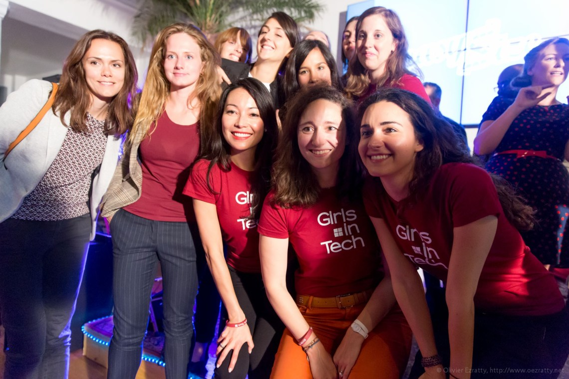 (Girls in Tech Lady Pitch Night Sept2014) Girls in Tech team selfie (7)