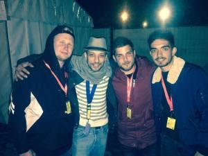 Kacem Wapalek avec l'équipe de Fréquence Banane.