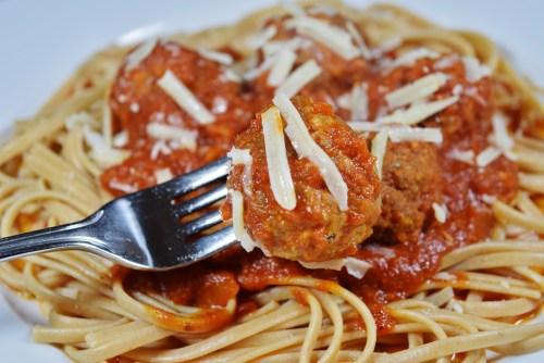 Italian Meatballs - www.freshapron.com