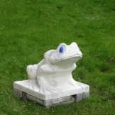 Remy Jungerman, toad sculpture, Amsterdam, 2012