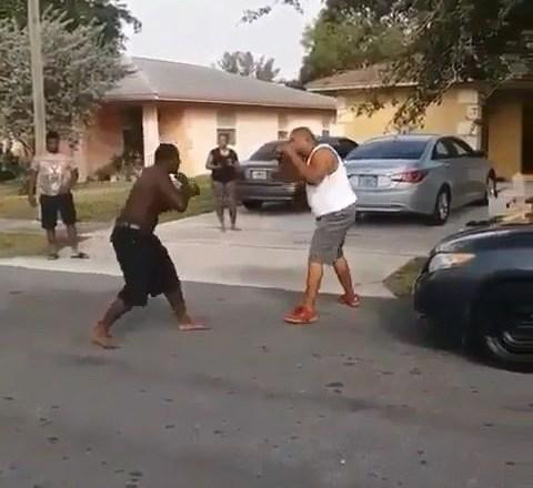 Big Man Ain't Got No Hands A Fighting Like Girl