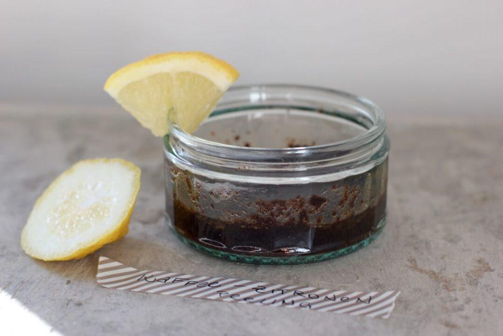 diy-kaffee-zitronen-peeling-anleitung