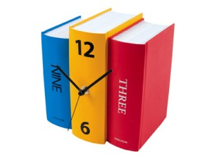 karlsson_book_table_clock_in_colour