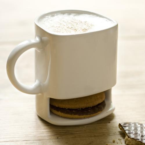 The Dunk Mug for perfect tea and biscuits
