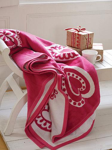 Red hearts fleece blanket