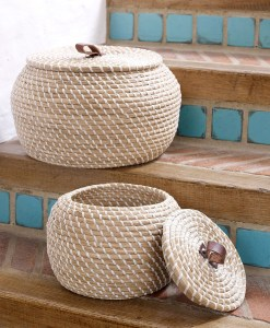 Lidded seagrass home storage box