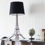 Elegant Eiffel Tower table lamp