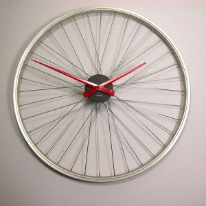 Vyconic design bicycle wheel wall clock