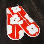 Fab Friday Bargain: Orla Kiely Abacus oven glove