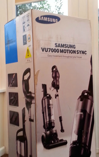 Samsung VU7000 2 in 1 motion sync vacuum cleaner unboxing