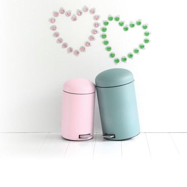 Ever bin in love? Retro design pastel pedal bins