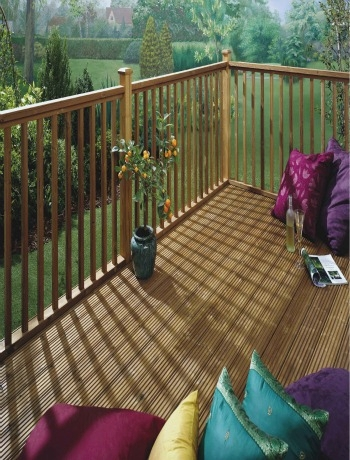 How to use decking to create a small raised veranda