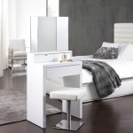 Compact Marilyn dressing table for a small bedroom