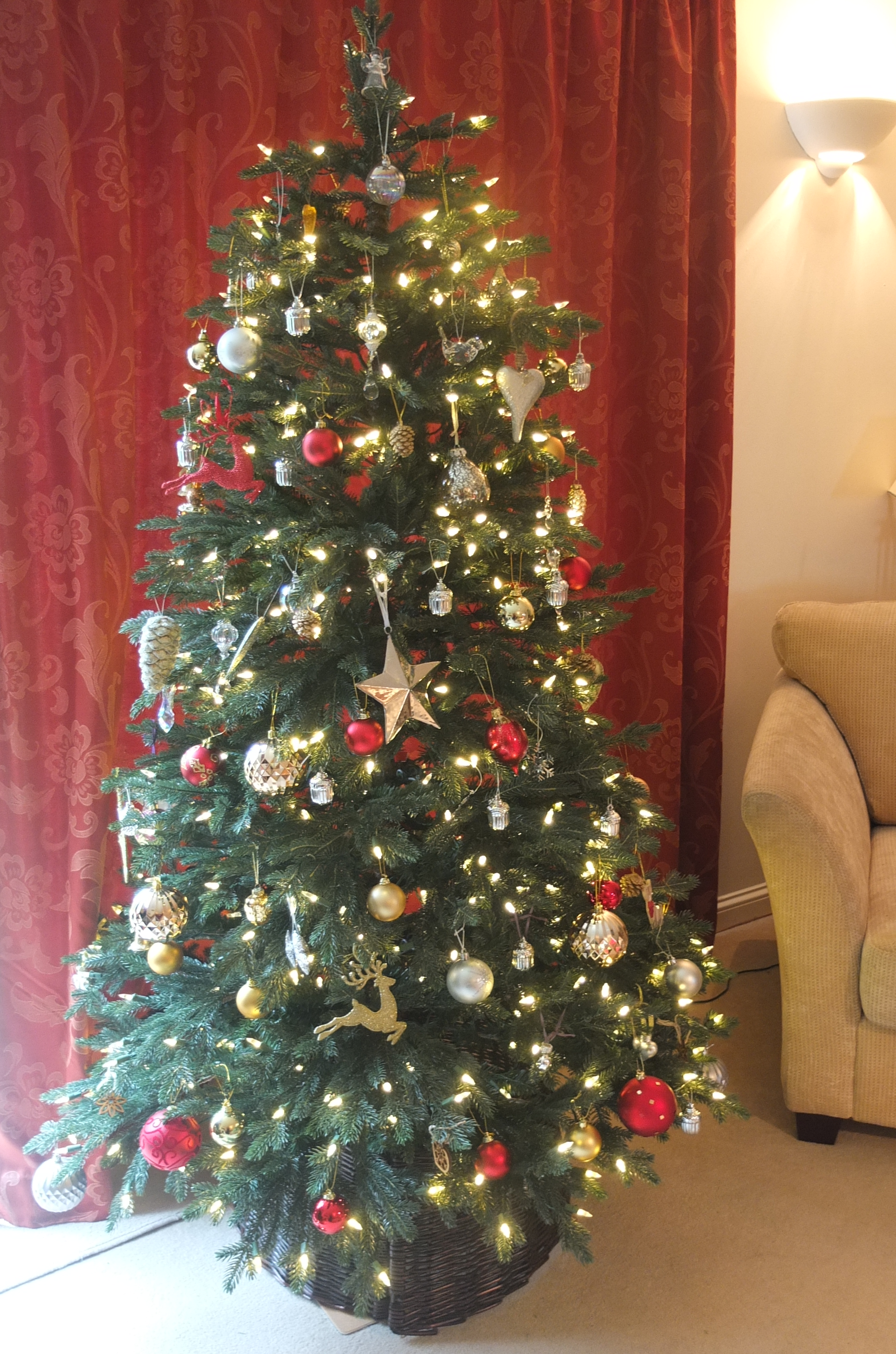 Balsam Hill Christmas Tree Co Reviews.Realistic Artificial Christmas Tree From Balsam Hill