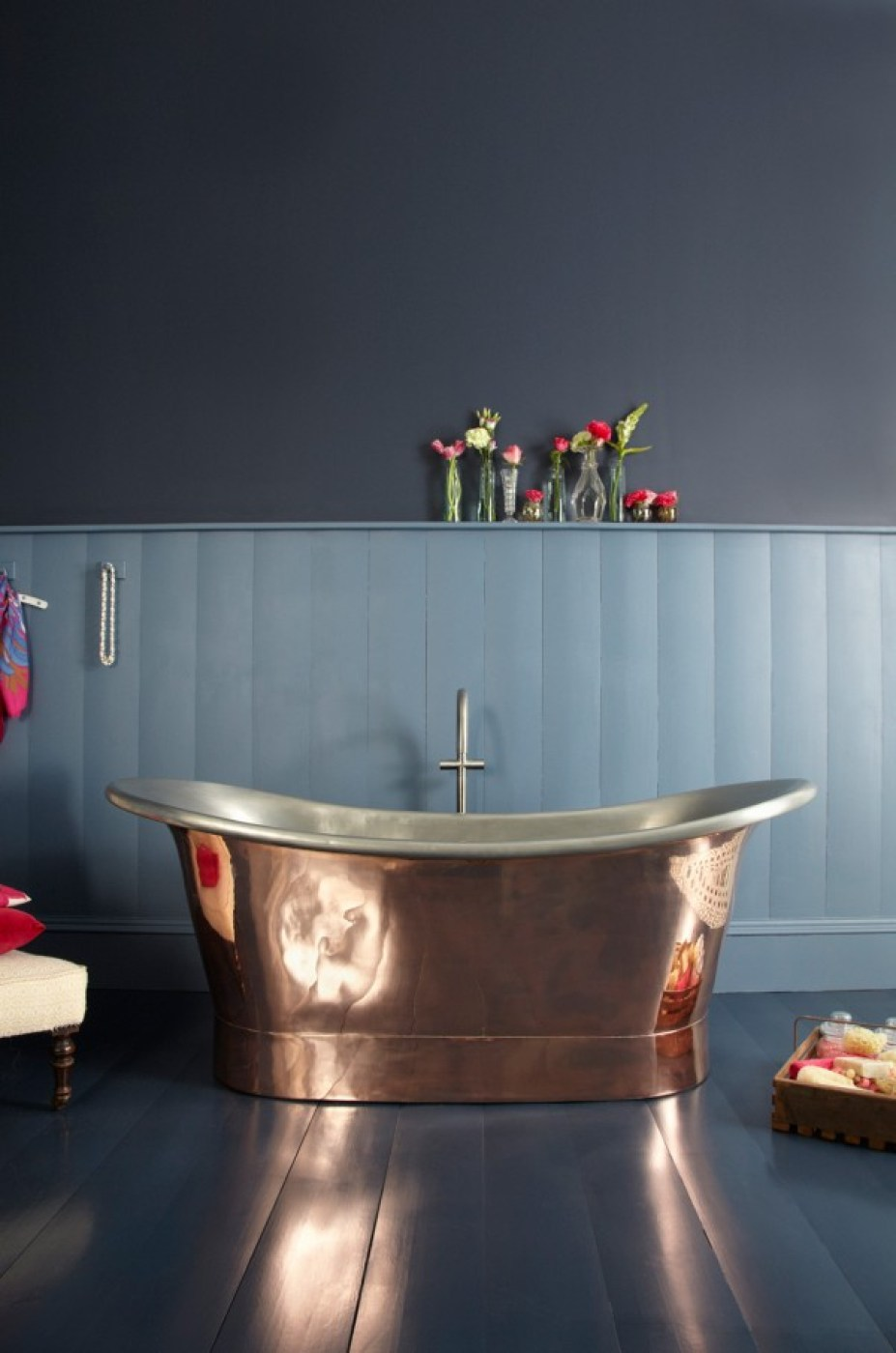 Gorgeous pure copper double ended freestanding bath.