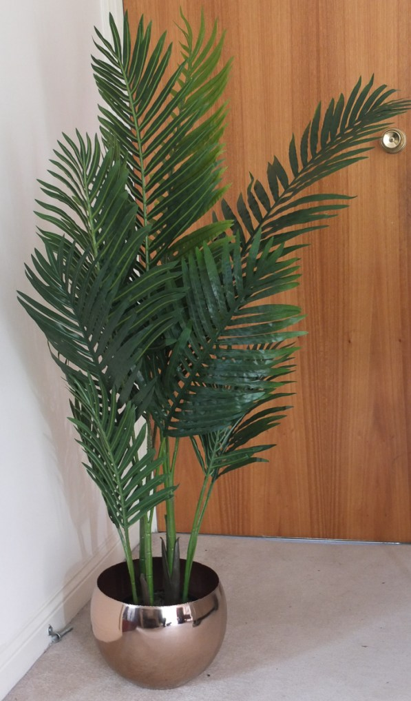 Large faux plants are a great accessory to use in your home and a good quality buy will look like the real deal