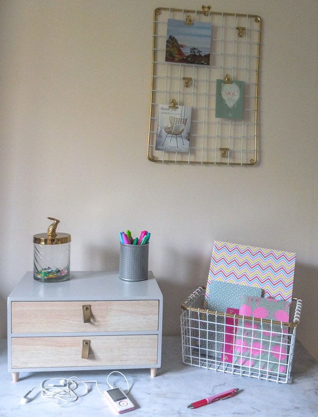 Lovely and affordable ideas to give your desk an update for Spring