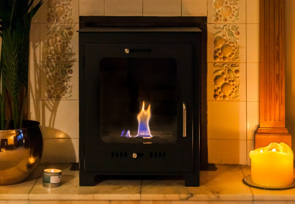 Love the look of a log burner, but don't want the hassle of having one installed? Why not try an eco-friendly bioethanol fire instead!