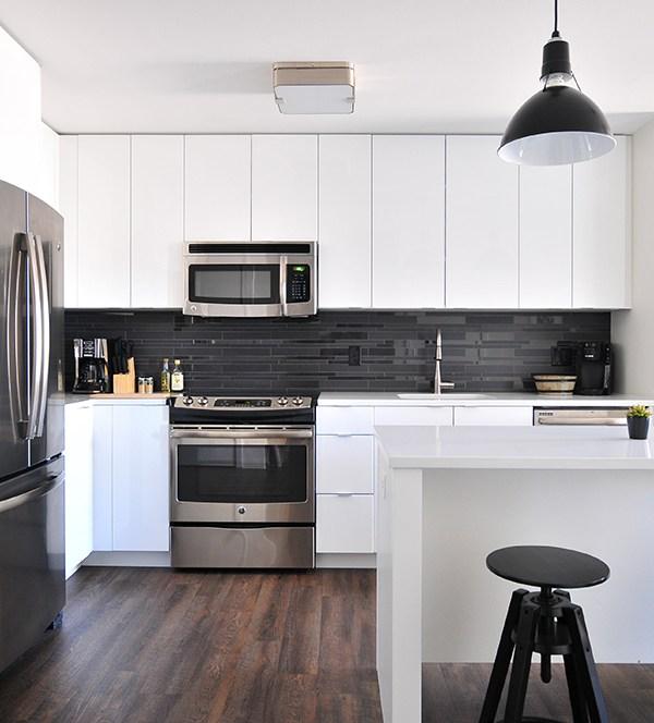 Modern vs. Contemporary: Your Kitchen Design Cheat-Sheet