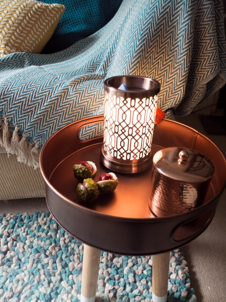 Copper accessories are bang on trend and add a lovely touch of autumn colour to your home