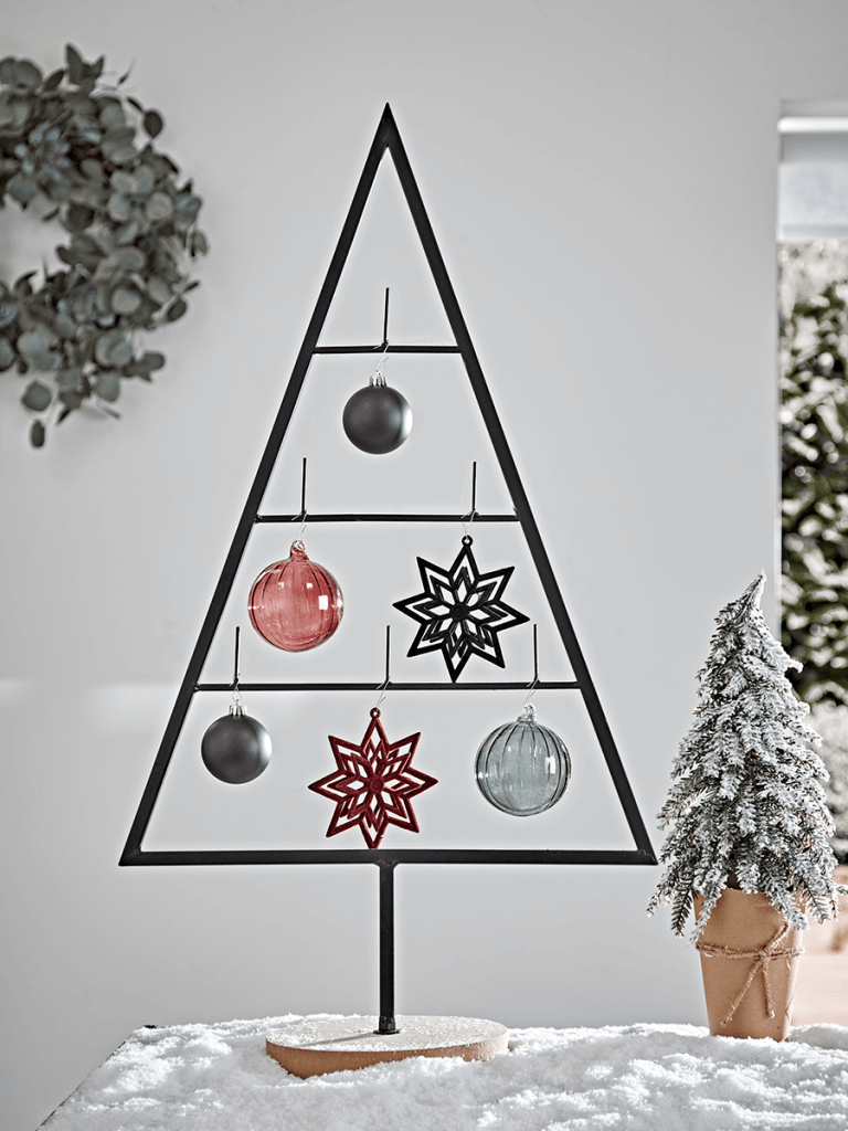 Great example of a super minimal Christmas tree made in industrial style