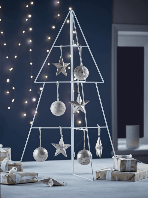 If you're a fan of minimalistic design, try this 3D metal table top Christmas tree