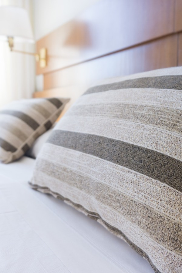 6 simple tips to keep your bedroom squeaky clean