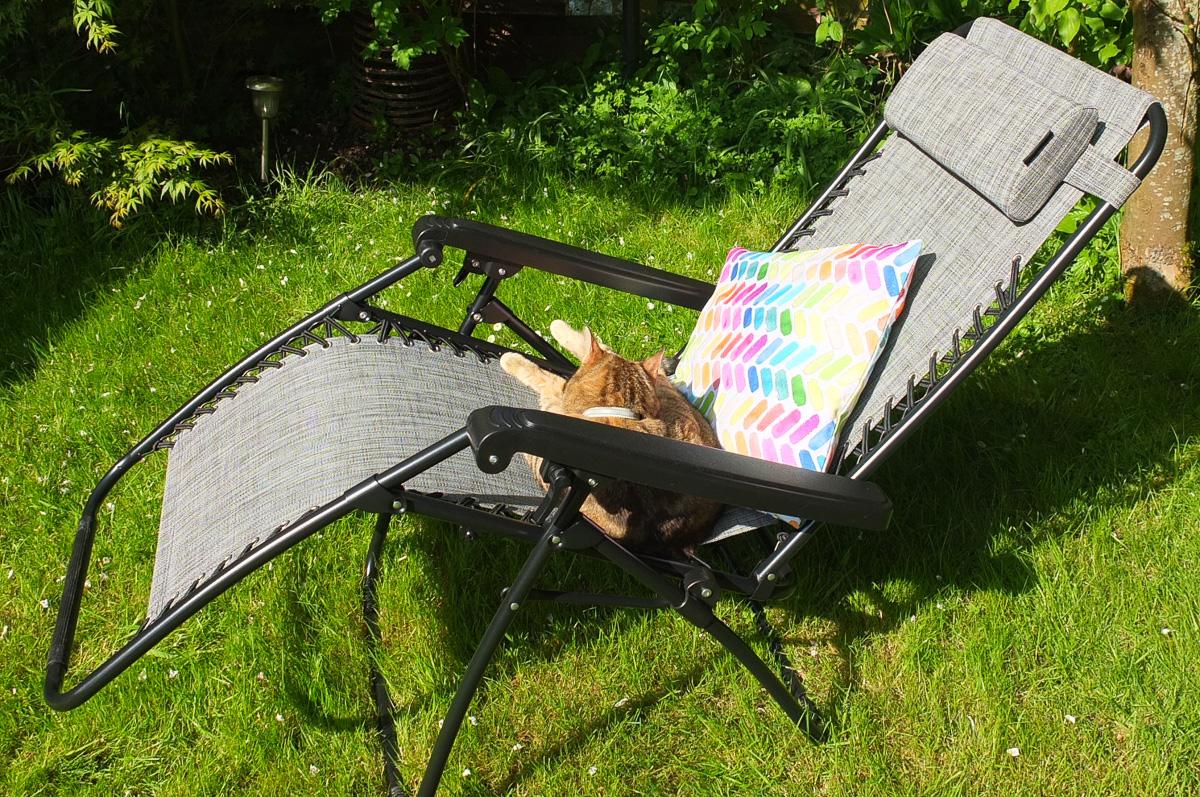 zero g garden chair mainstays office review vonhaus textoline gravity reclining from domu