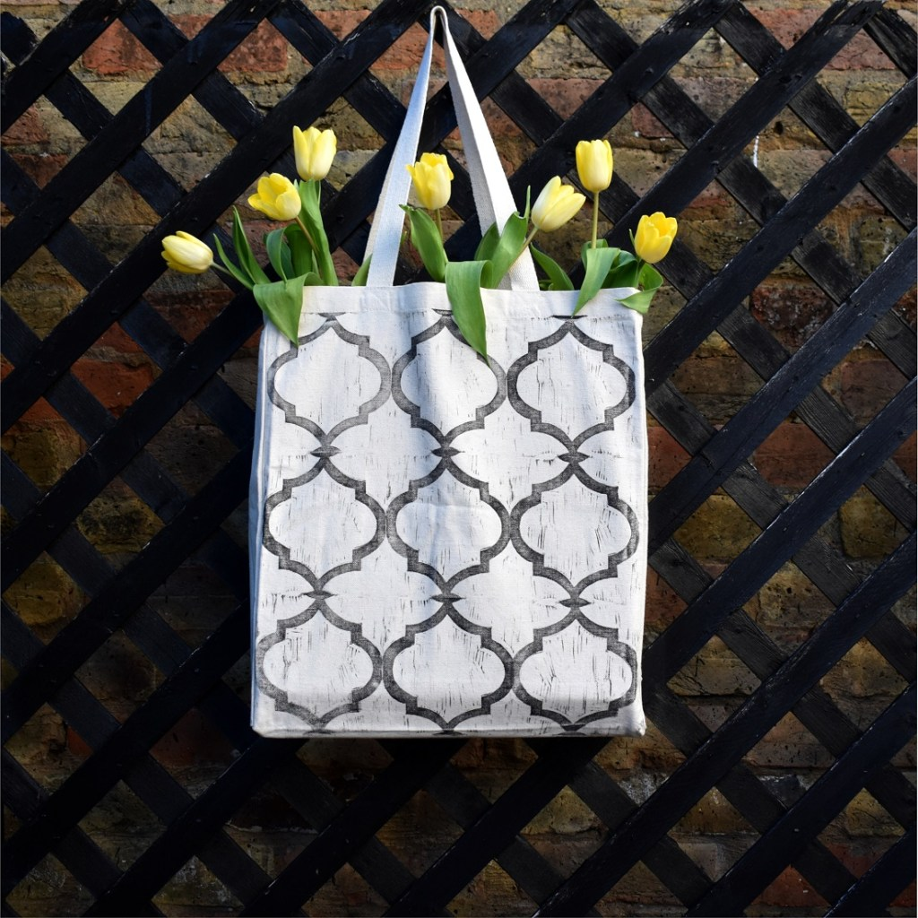 Lino printing lends itself to bold designs, such as this canvas bag by Debbie Chessell