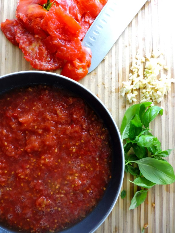Easy Fresh Tomato Basil Marinara Sauce