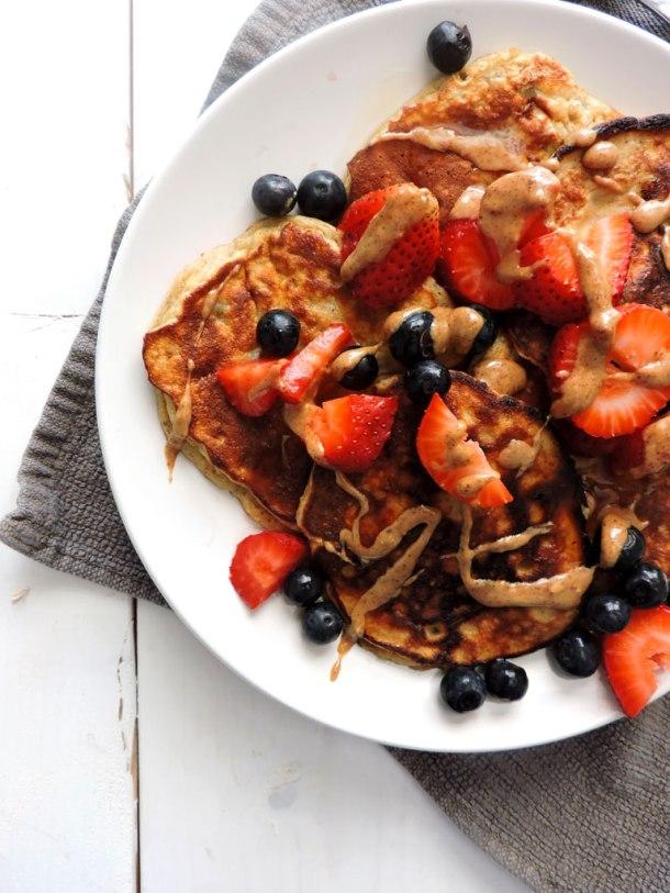 Banana Berry Protein Pancakes