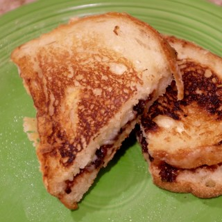 The surprising ingredient to make the crispiest grilled cheese