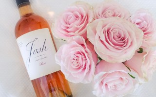 Elegant Rosè and Roses