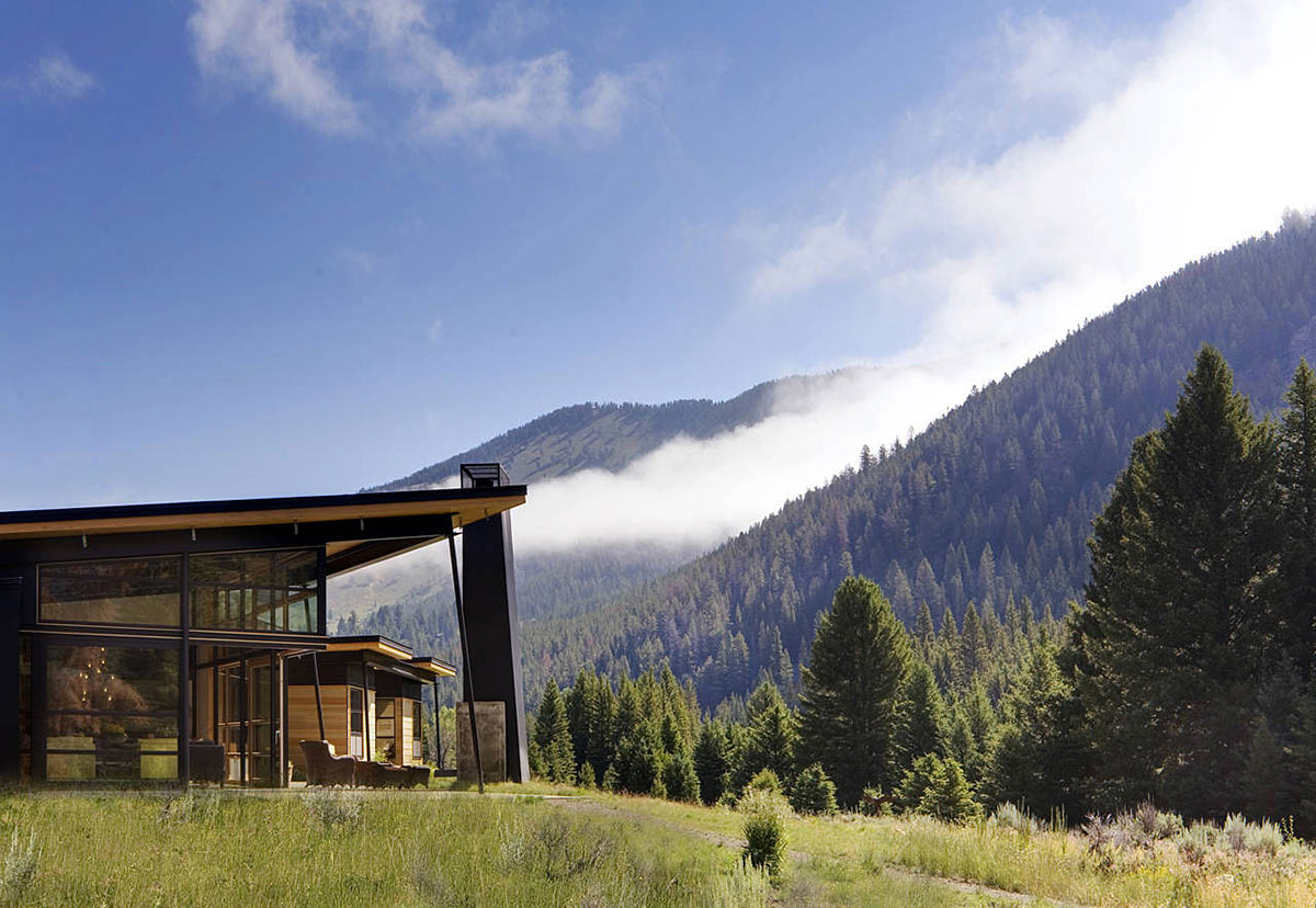 Mountain Views Outdoor Living River Bank House Montana