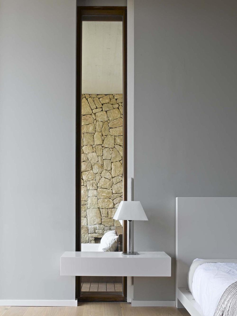 Tall Mirror Bedroom Contemporary Home in Monasterios
