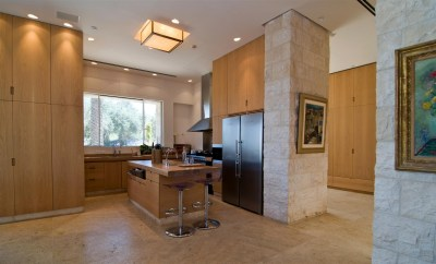 Kitchen Island, Breakfast Bar, Contemporary Stone House in ...