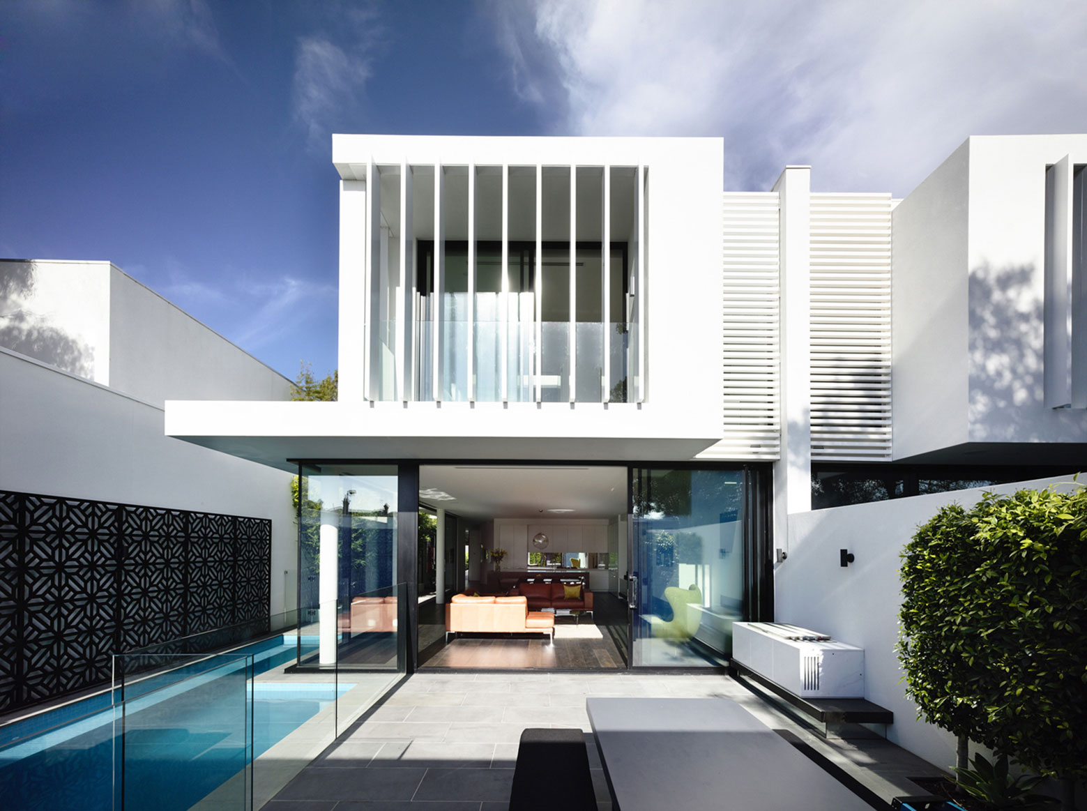 Charming Minimalist Townhouses In Brighton Australia