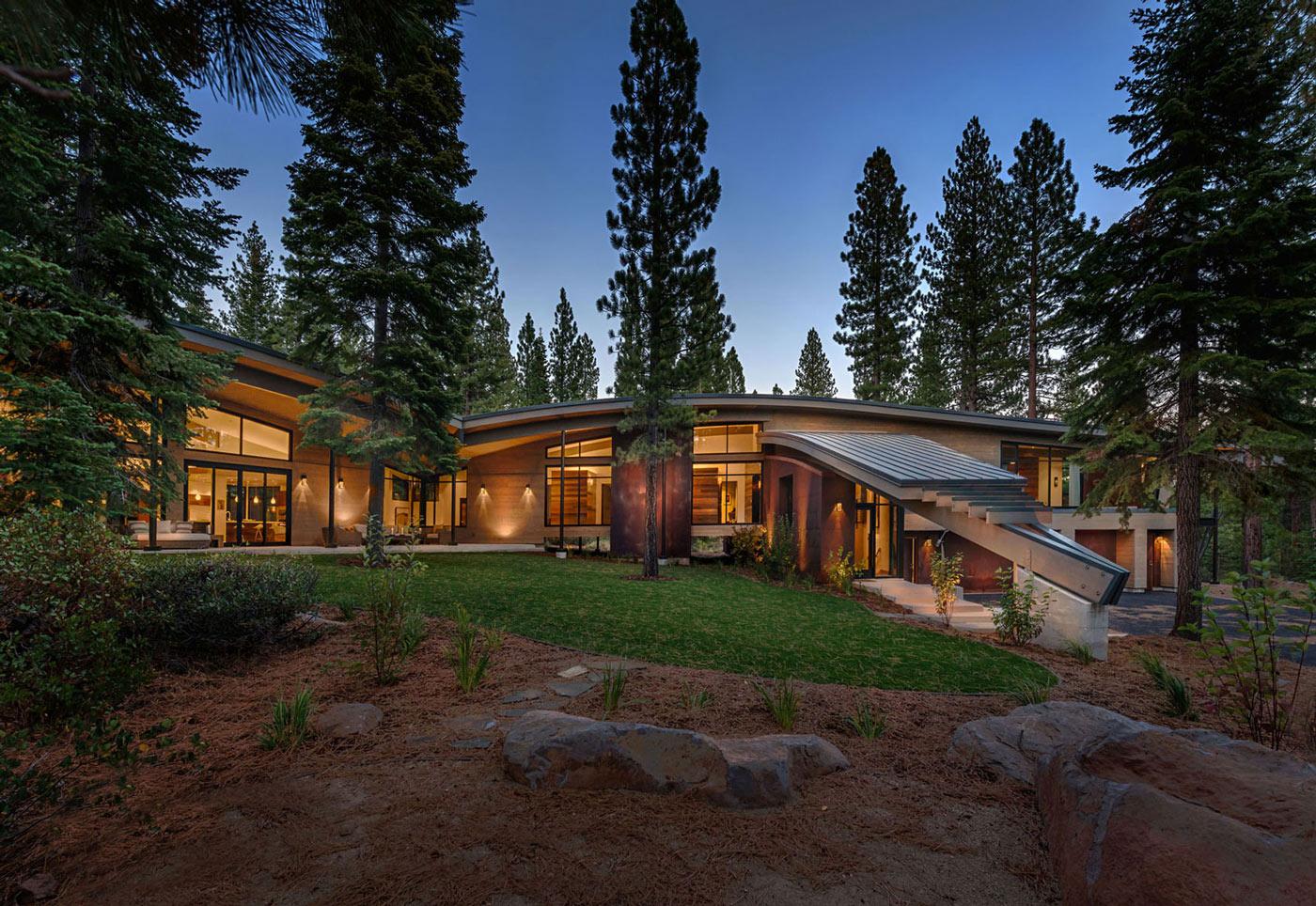 Modern Mountain Home In Truckee